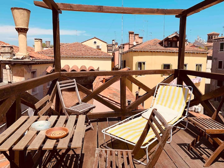 Appartamento con altana (roof terrace)