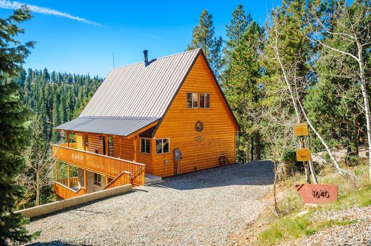 Triebold`s Getaway- Sleeps 6 max 8 - Duck Creek Village - Casa de campo