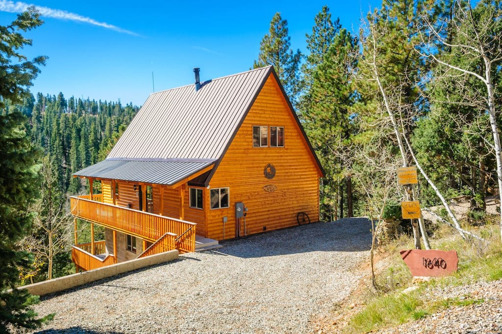 Triebold s getaway sleeps 6 max 8 cabins for rent in for Cabin rentals vicino a brian head utah