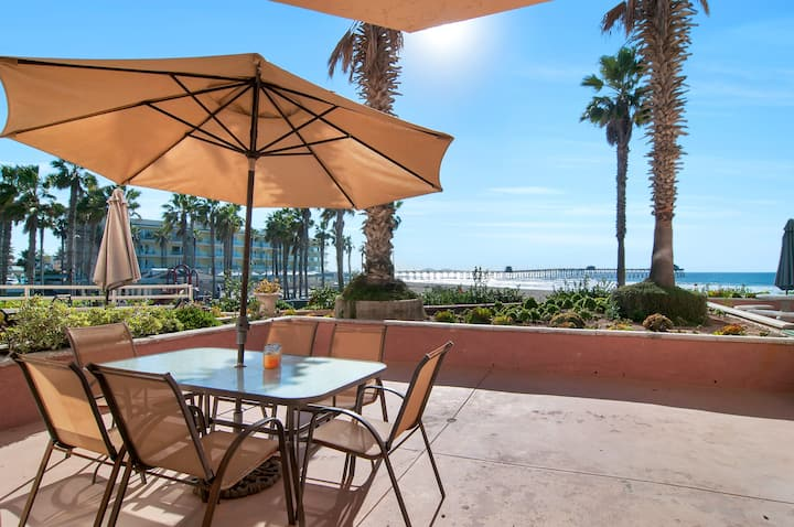 Gorgeous  2 Bedroom on the beach with Pool