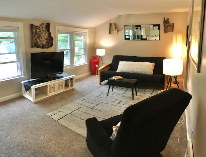 Pam's Place - Fully Furnished, Monthly Apartment