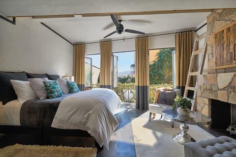 CBL Luxurious Home Stunning Views Close to Centro