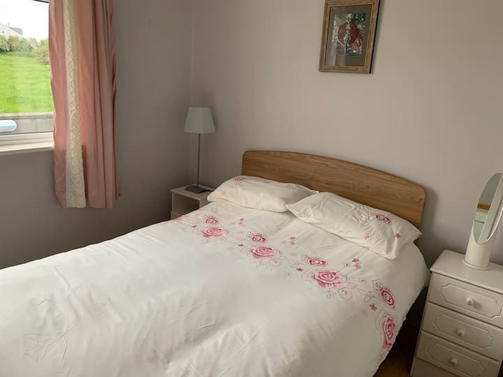 Double room in beautiful B&B, South Sligo