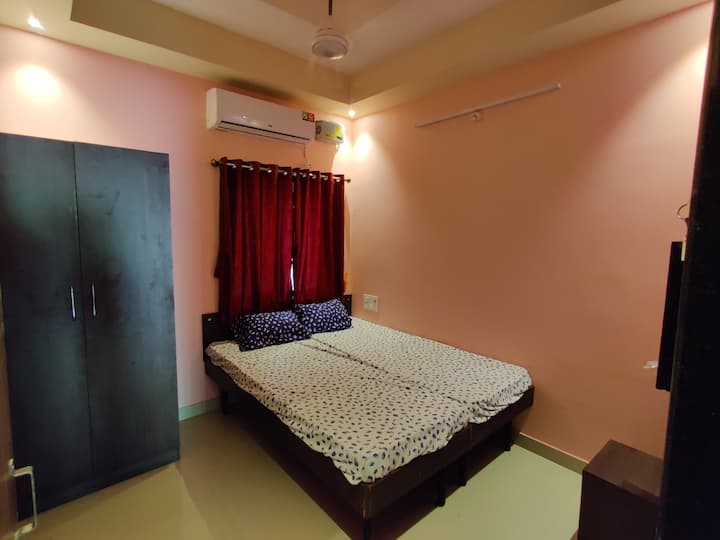 Bandekar Home Stay, AC Deluxe room