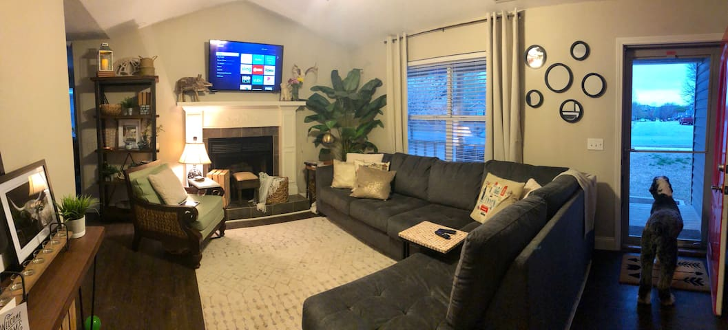 3/2 Cozy Fayetteville Home