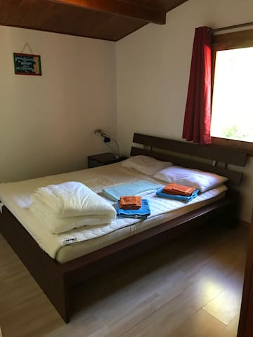 Guest bedroom, queen bed.