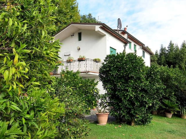 At the Court Massimilian - Lucca - Tatil evi
