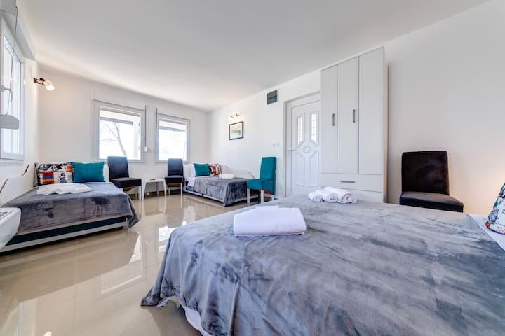 Even though there is only one bedroom, there's plenty of space for comfortable stay of 6 people.
