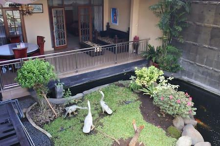 "MALL PARIS VAN JAVA (PVJ) ""Villa Arum 2A"" Bandung"