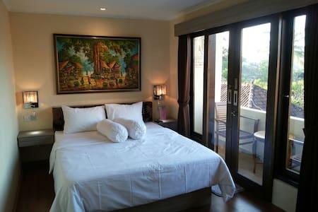 Angga Room - Bed & Breakfast