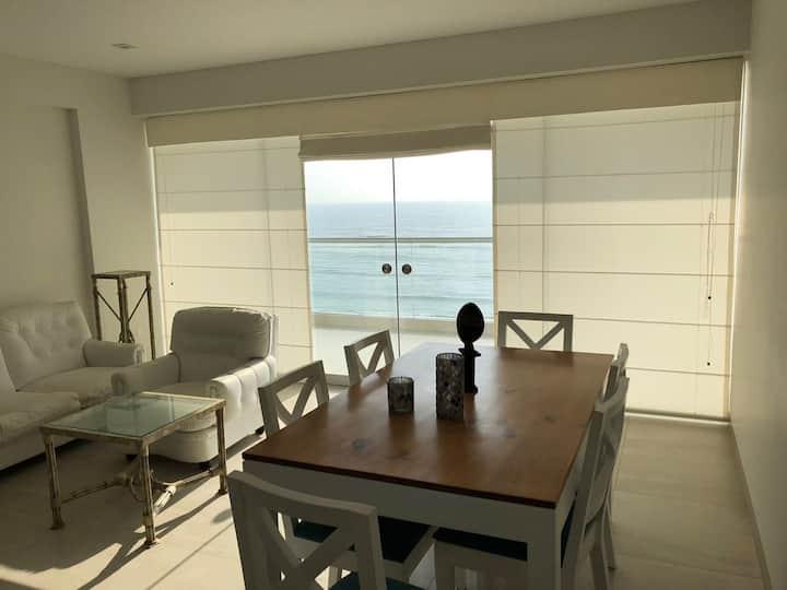 Lindo departamento con la mejor vista al mar.