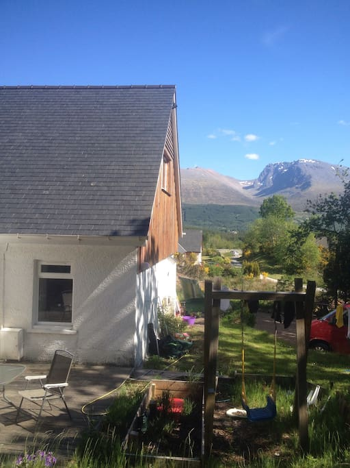 Views of the cottage and mountains