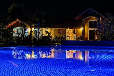 Corner Spa Resort, 5 star Boutique Resort. - Tambon Hang Dong - Villa