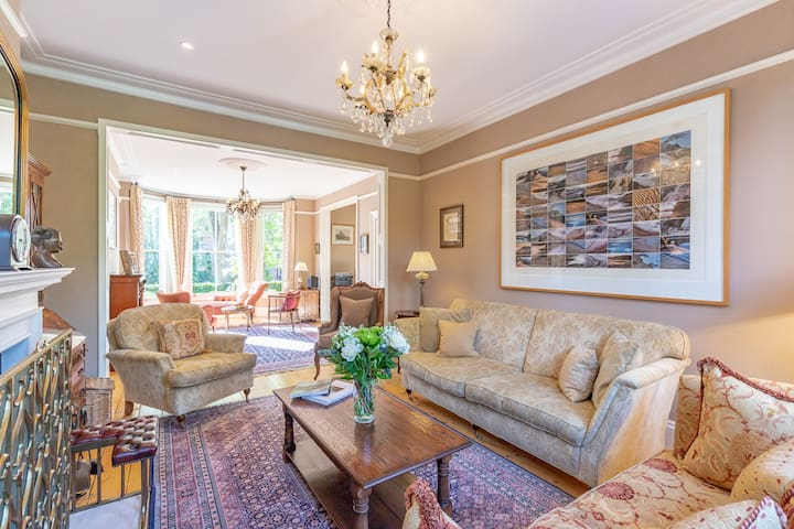 ★ Luxury 5 bed Manor with parking in North Oxford★