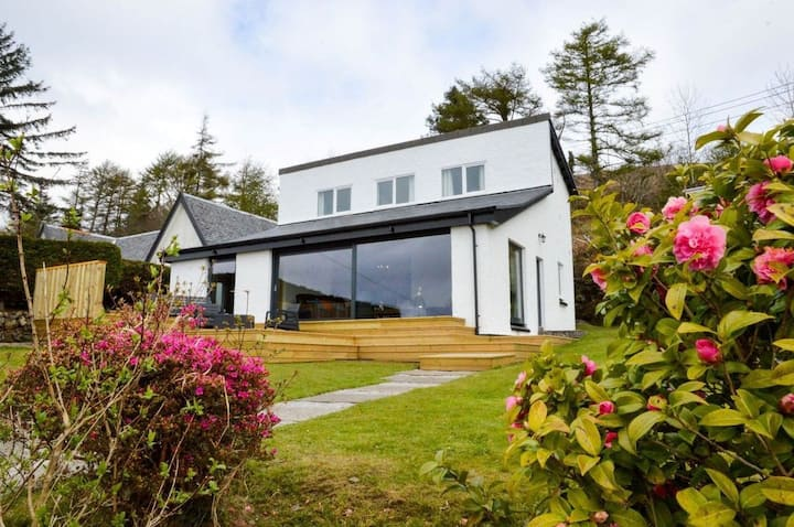 Grannda Mhor self catering house. Sleeps 8