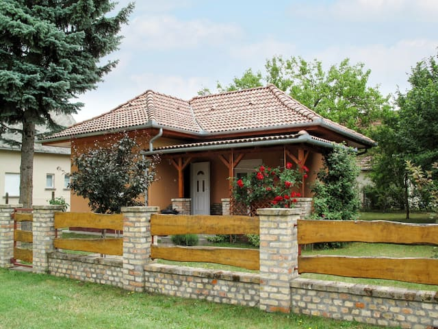 Holiday home with terrace in Fonyod