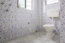 Attached Bathroom - spotlessly clean & hygieninc