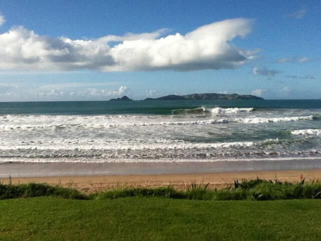 Beachfront Taupo Bay - Taupo Bay - Huis