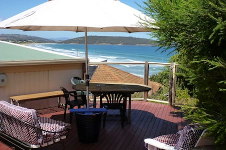 Private studio with deck, views, close 2 beach - Dodges Ferry - B&B/民宿/ペンション