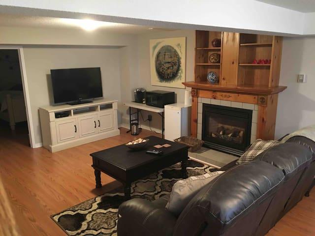 Cozy bedroom /  office suite