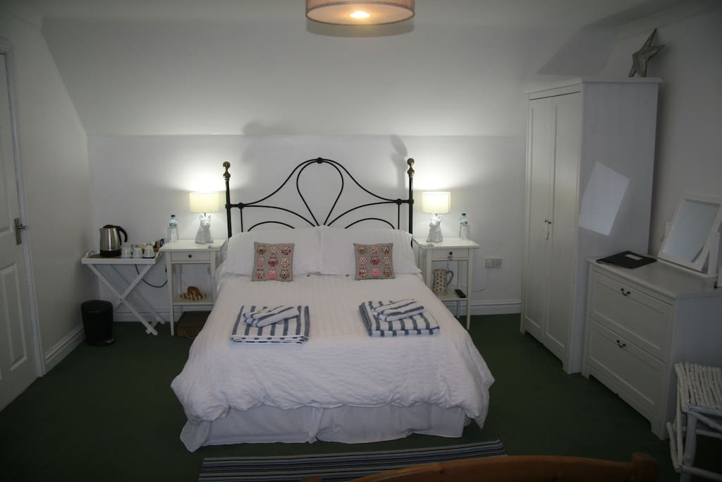 Lovely comfortable double bed with a memory foam mattress.