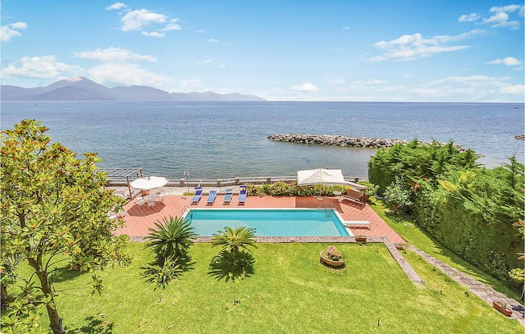 Amazing home in S. Giovanni a Piro SA with WiFi, Outdoor swimming pool and 3 Bedrooms
