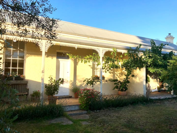 Cute Cottage in the Cute Town of Newstead