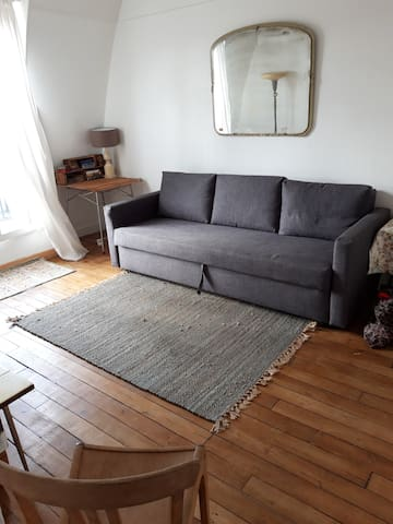 Cute and cosy apartment in trendy Saint Ouen