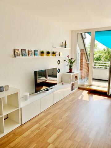 Schöne 2Zimmer Wohnung mit Dachterrasse nahe Messe