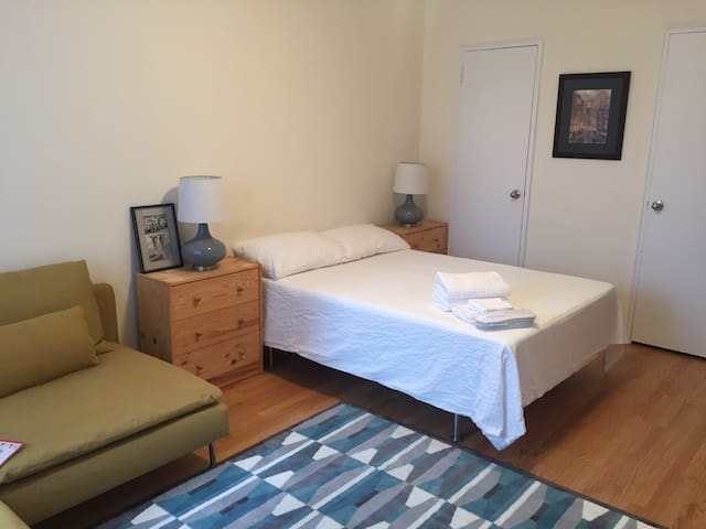bedroom 20 mins away from nyc apartments for rent in long island