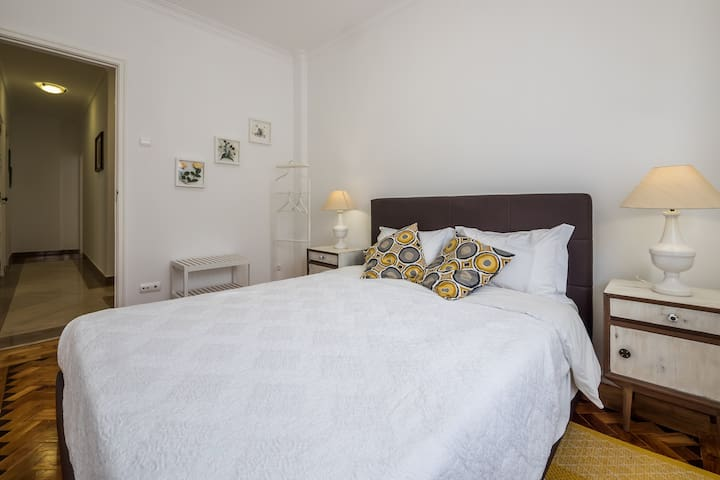 Lisbon Comfortable Two bedroom apartment