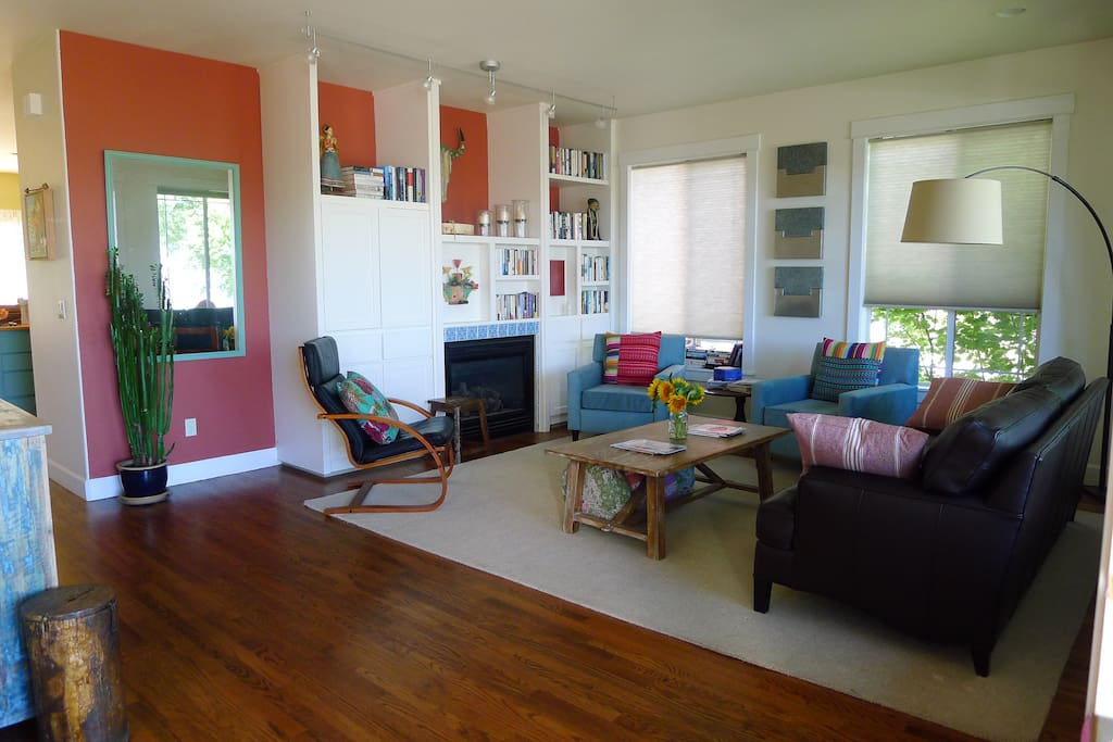 Cozy, colorful living room