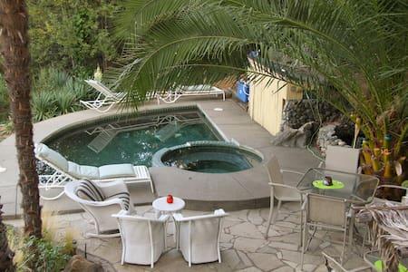 Alexander Valley Lodge Cabana suite - ガイザービル - 別荘