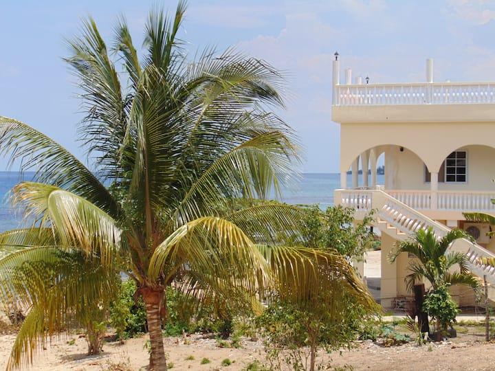 Runaway Bay Beach House Rental