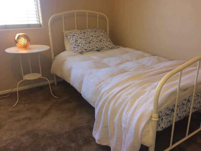 Private room and bath in W Palmdale near shopping.