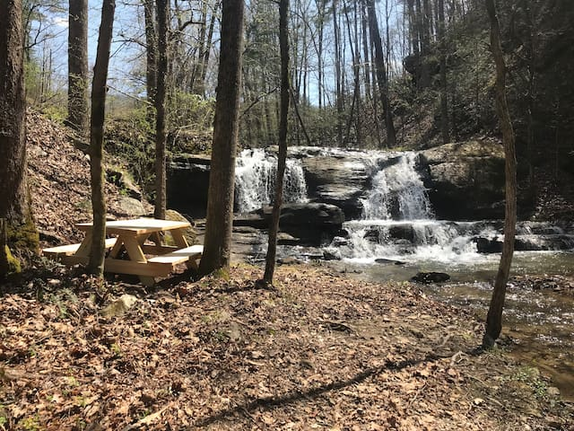 Allegheny Falls Mountain Escape- Maryville, TN