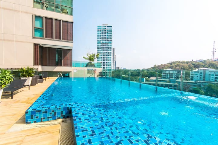 1 Bedroom Condo Pool & Gym