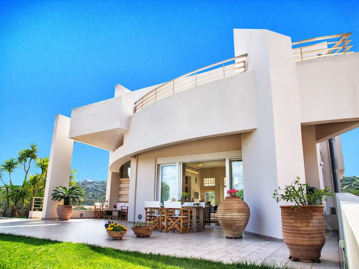 Cretan Ivory Villa - City Escape