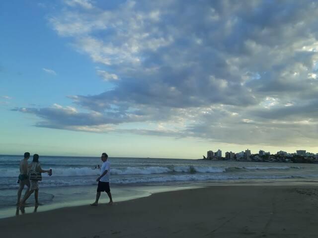 Praia do Morro - Suíte  Minicozinha ate 03 pessoas