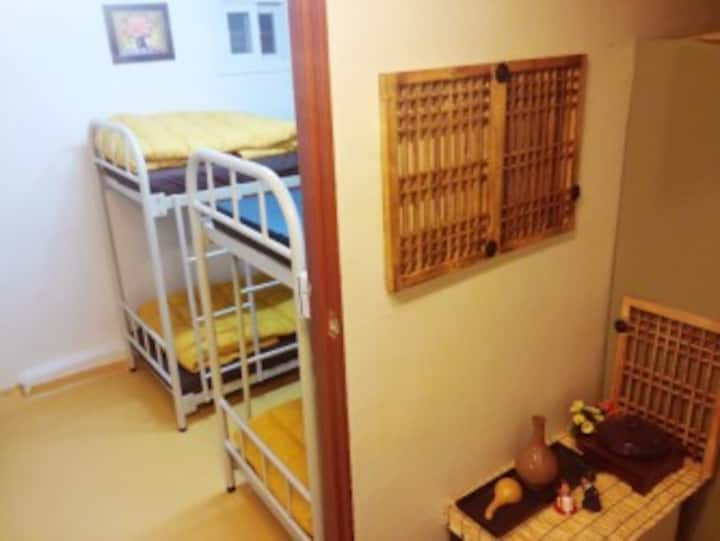 for 4 people room. center of Seoul(shared toilet)