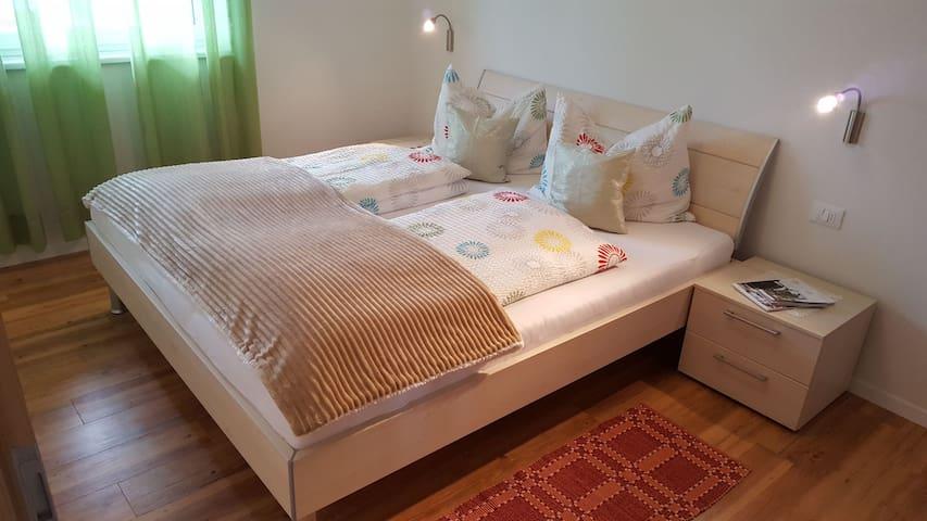 Schlafzimmer/Camera da letto