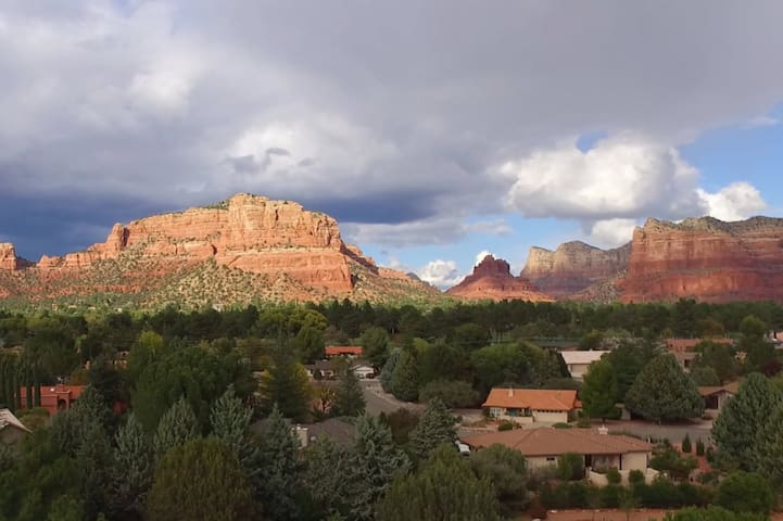 Vacation Suite in Sedona - King Bed, near it all!