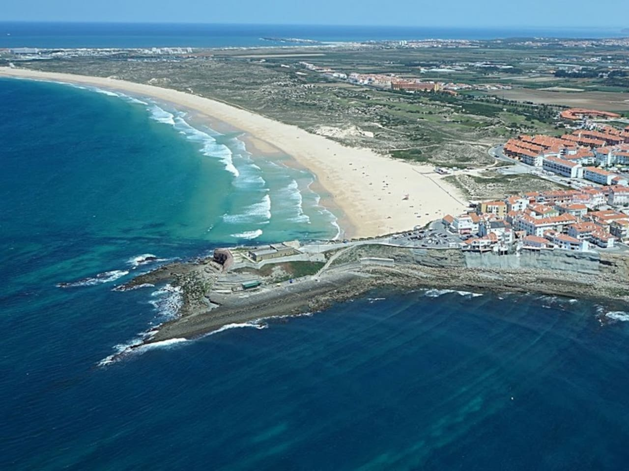 Consolação: the point, the Fortress, and the beach. Near Peniche and Baleal.