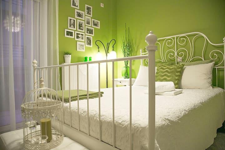 Gorgeous interior designed room
