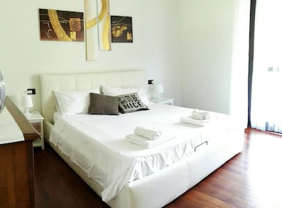Suite with Private Bathroom, Terrace and Breakfast