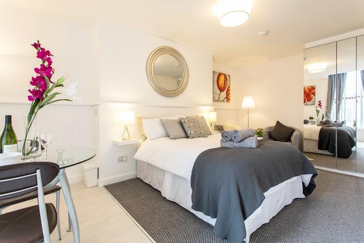 (4) New Studio Apartment. Fab Location ! Rathmines