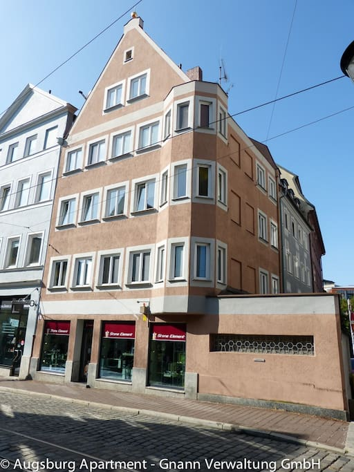 Top of the roof apartment with perfect city view for Augsburg apartments for rent