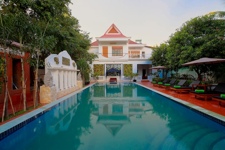 Luxurious Room, Private Balcony with Pool View