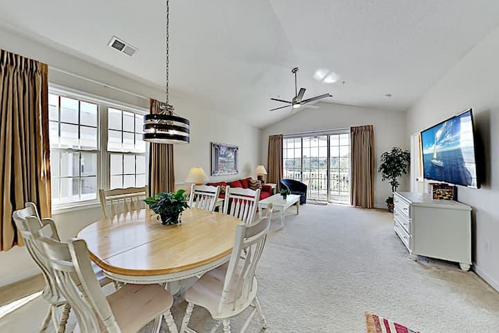 The Havens Condo | Golf Course Views, Pool & Grill