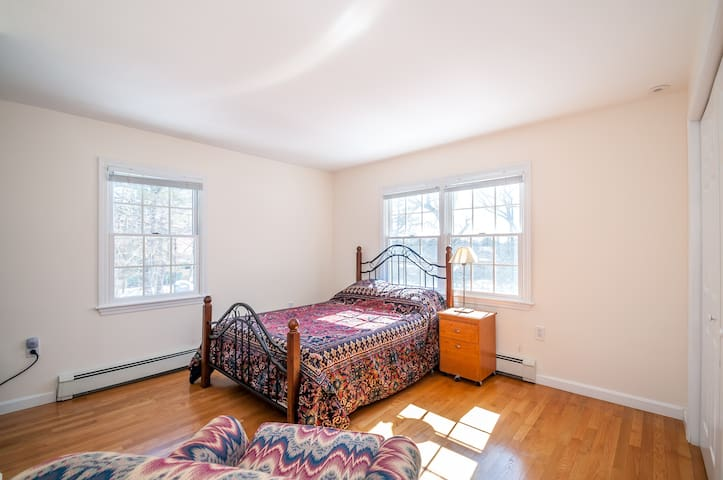Bright Bdrm in Historic Lexington - Lexington - Casa